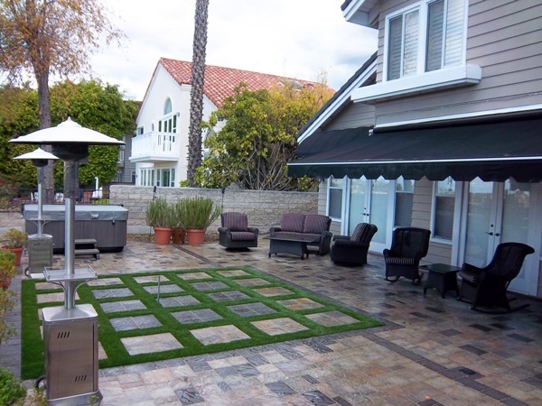 Top designers are using turf for much more than low maintenance lawns.  Read our blog for new ideas!