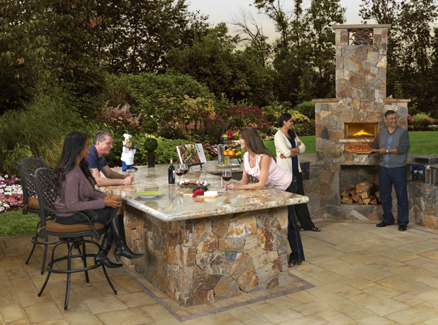 Making your next outdoor meal an event that your guests will remember.