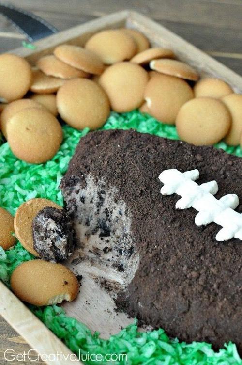 Football dessert