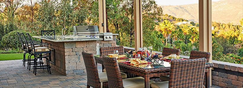 How to grill your turkey and host Thanksgiving outdoors