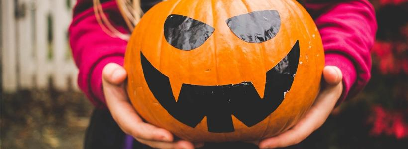 How to host a spook-tacular kid-friendly Halloween party outdoors