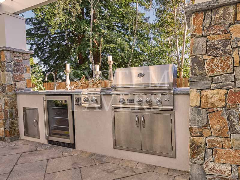 Custom Designed Outdoor Kitchens System Pavers