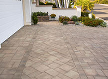 Multi-Pattern Driveway Pavers With Accent Border