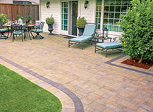 Traditional Style Patio Pavers With Border