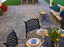 Traditional Style Patio Pavers With Artificial Grass
