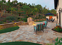 Traditonal Paved Patio Pavers With Water Feature