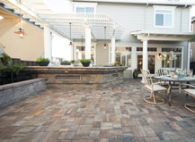 Contemporary Syle Light Toned Patio Pavers