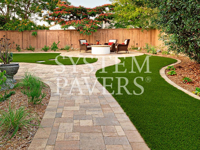 ... Backyard Walkway Pavers With Artificial Grass And Fire Pit ...