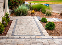 Multi-Color Paving Stone Front Yard Walkway