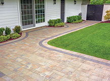 Light Toned Stone Front Yard Walkway Pavers
