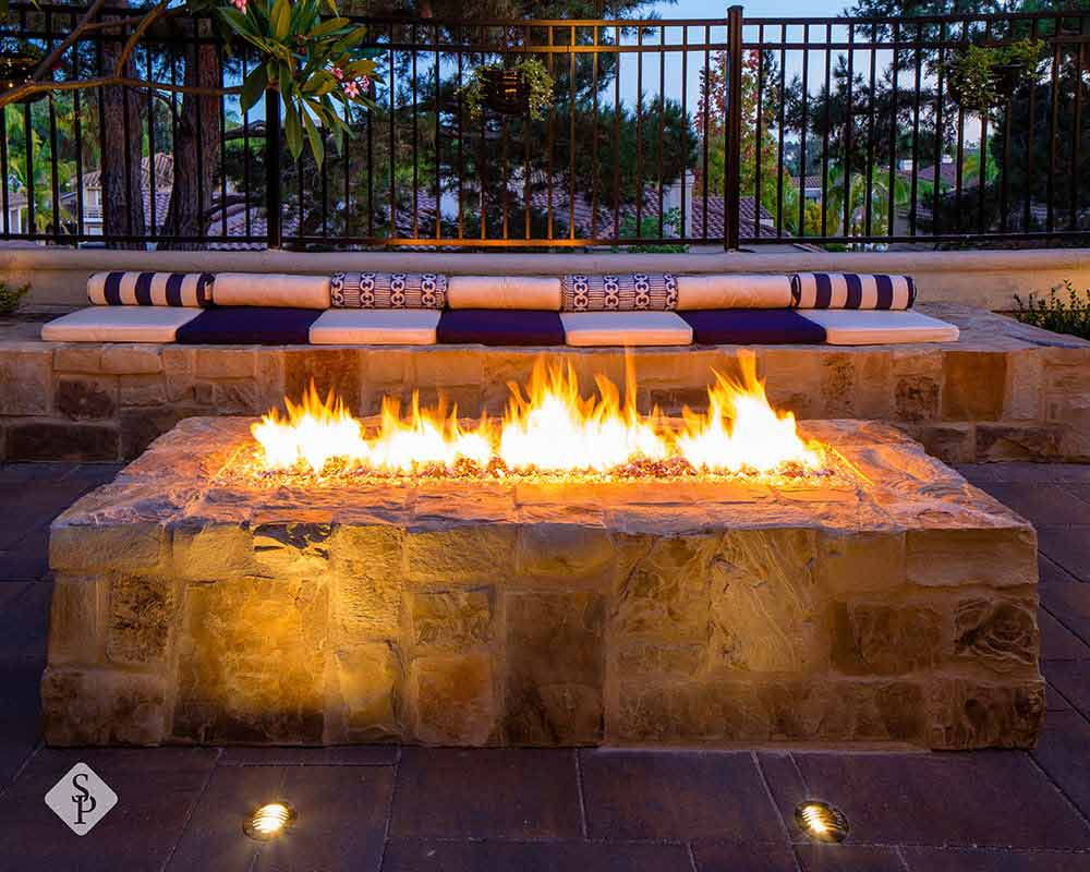 People say the kitchen is the heart of the home. But what if you spend all your time outdoors? Well then you will love having a fire pit as the focal point in your outdoor living space.