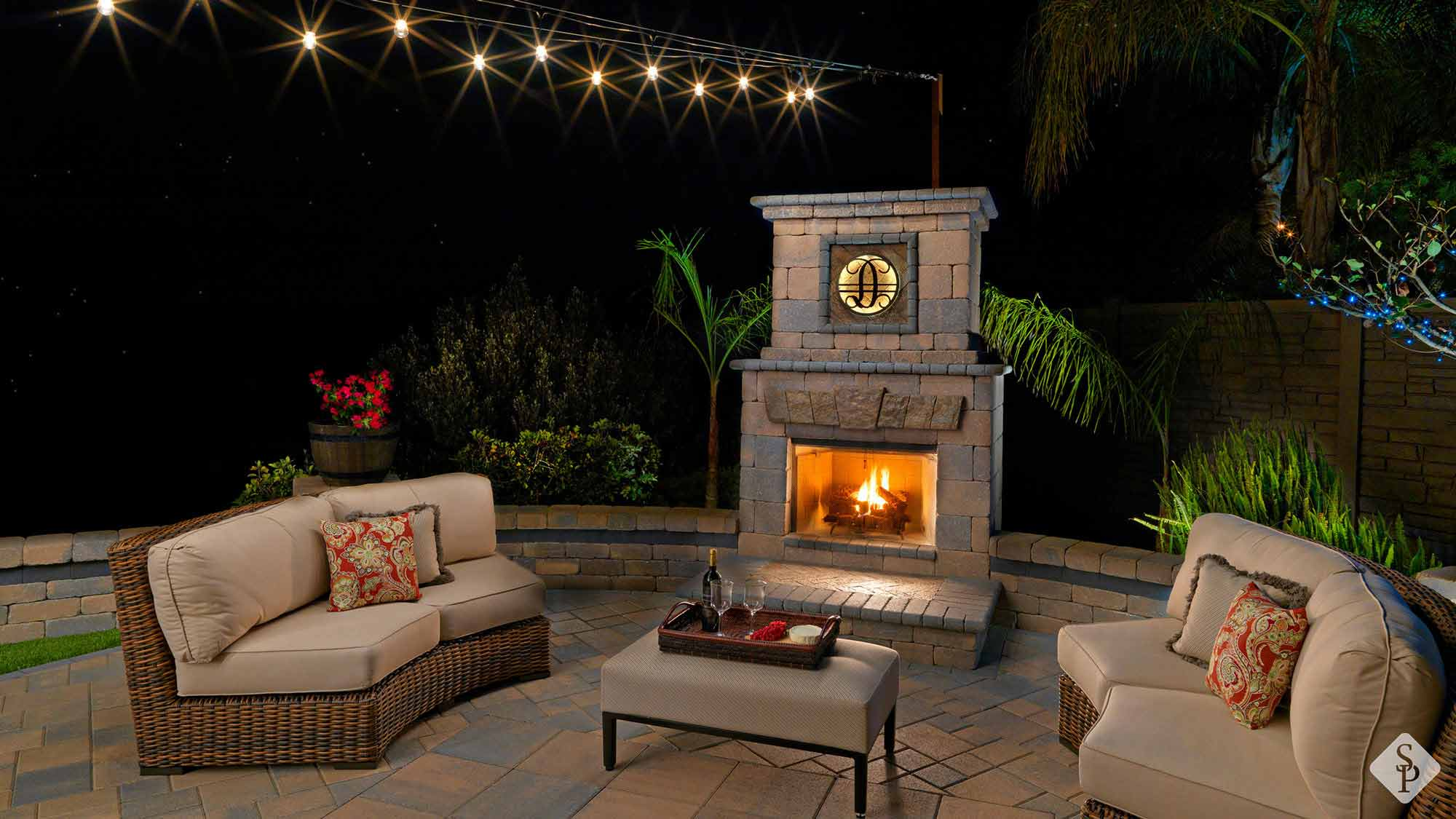 Allow your outdoor living space to shine with the addition of an elegant outdoor fireplace.