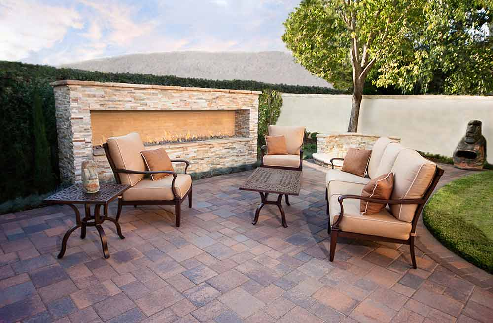 Cozy up in front of an outdoor fireplace, gather around a fire pit or unwind by a contemporary fire bowl and enjoy some quality time together outdoors.